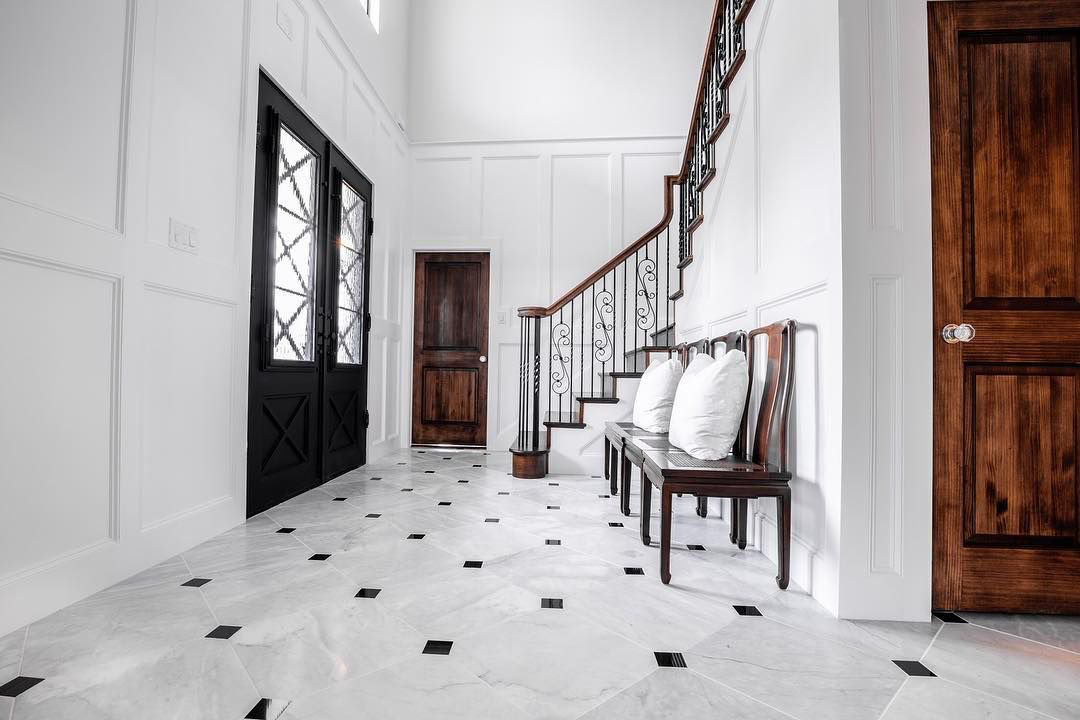 This Beautiful Floor Was Crafted By Oakline Floors Using Our Marble And Granite Collections Pictured Marble Contemporary House Design Residential Flooring