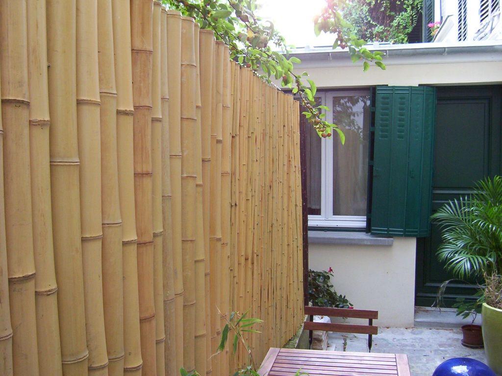 Cl ture r guli re avec tiges de bambou 6 7 cm cl tures pinterest bambou cloture - Petite cloture jardin ...