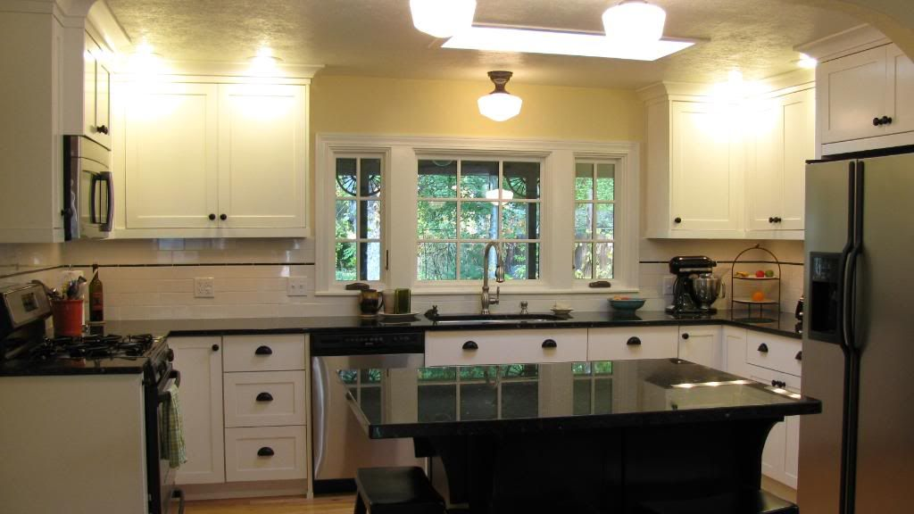 Best Navajo White Kitchen Our Cabinets And Trim Are Dove 640 x 480
