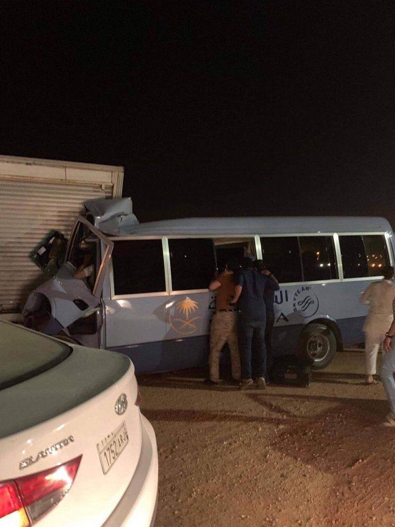 حادث مروري يصرع مضيفة الخطوط السعودية قبل وصولها للمطار الرياض Vehicles