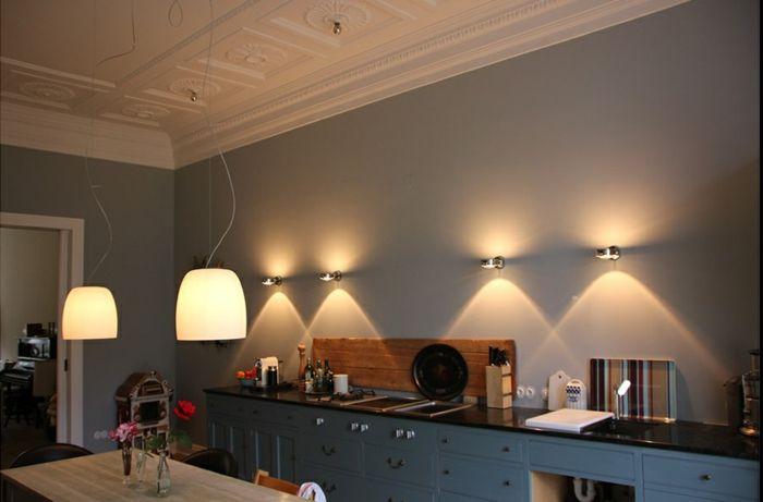 indirekte beleuchtung decke dunkeles interior leuchte wandbeleuchtung b ro k che alpenstil. Black Bedroom Furniture Sets. Home Design Ideas