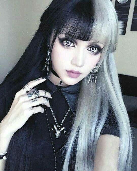 goth girls hot