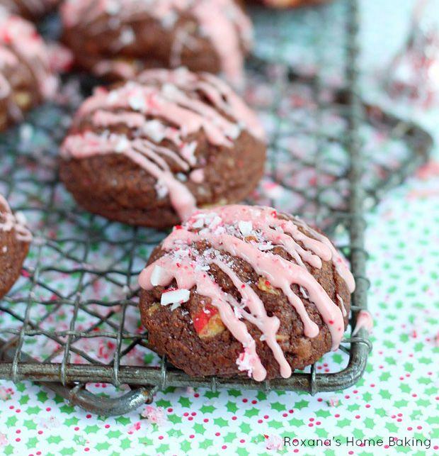 candy cane kisses chocolate cookies recipe recipechartcom christmas - Easy Christmas Desserts Pinterest
