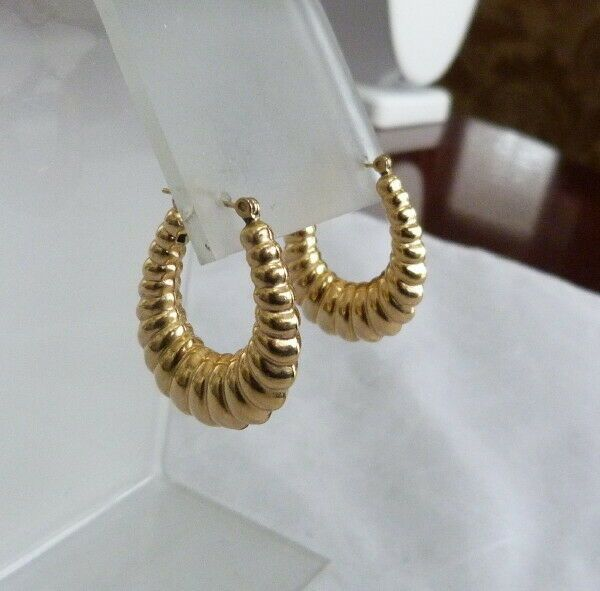 eae6f0717 14K GOLD RIBBED SHRIMP STYLE PUFFED HOOP LATCH HOOK PIERCED EARRINGS 4.8  GRAMS