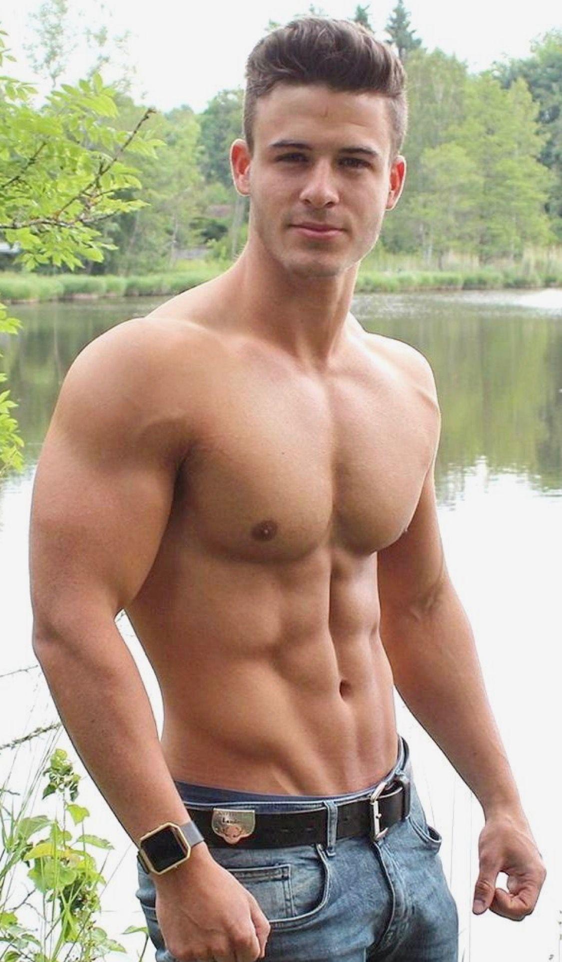 Joseph GordonLevitt Workout Routine  Celebrity Sizes