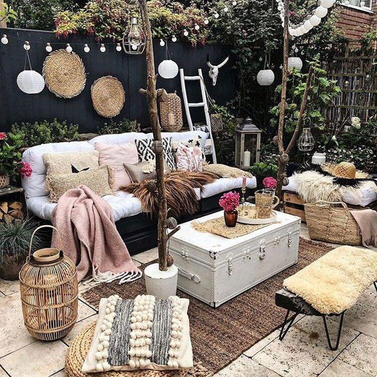 Boho Furniture Ideas For Every Home In 2020 Wiejskie Ogrody Dekorowanie Pokoju Wystroj