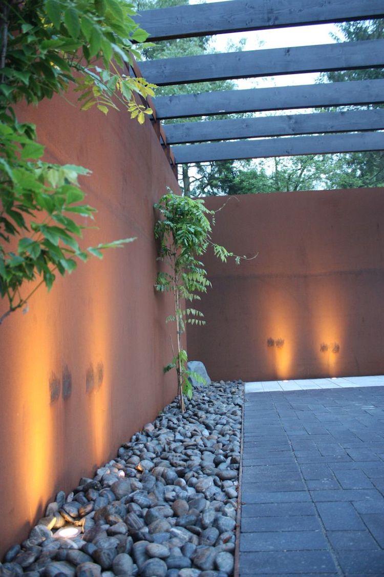 dekorative indirekte terrassenbeleuchtung im boden eingelassen
