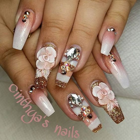 The cute acrylic nails are perfect for winter holidays 20182019 Hope you  nail