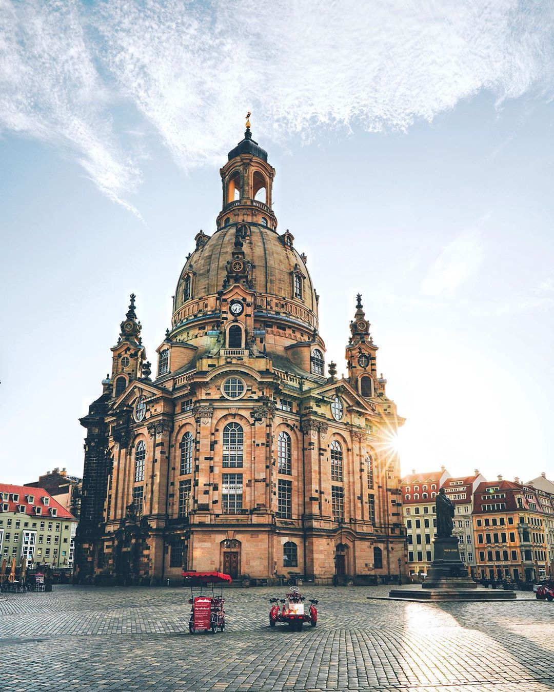 Frauenkirche Dresden In The Early Morning Drezno