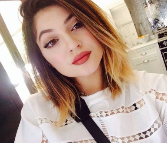Kylie Jenner Short Hair Ombre Bob Png 396 533 Pixels Jenner Hair Short Ombre Hair Dip Dye Hair Blonde