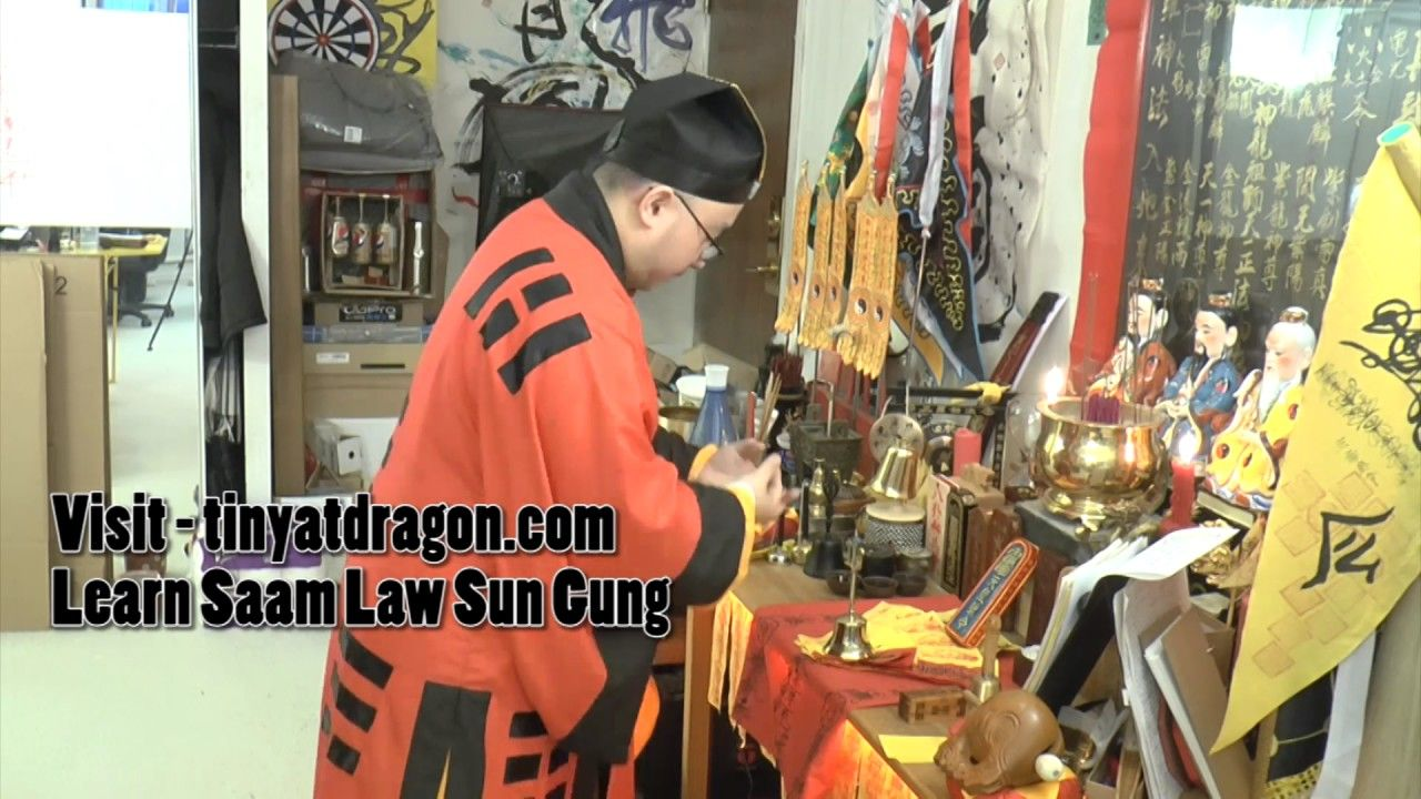 Taoist Ceremony on FU (Talisman) Activating and Empowering
