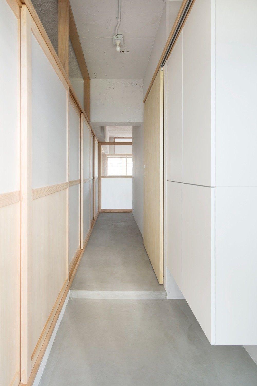 藤田雄介 Camp Design Inc による布框戸を用いて改修された団地内の