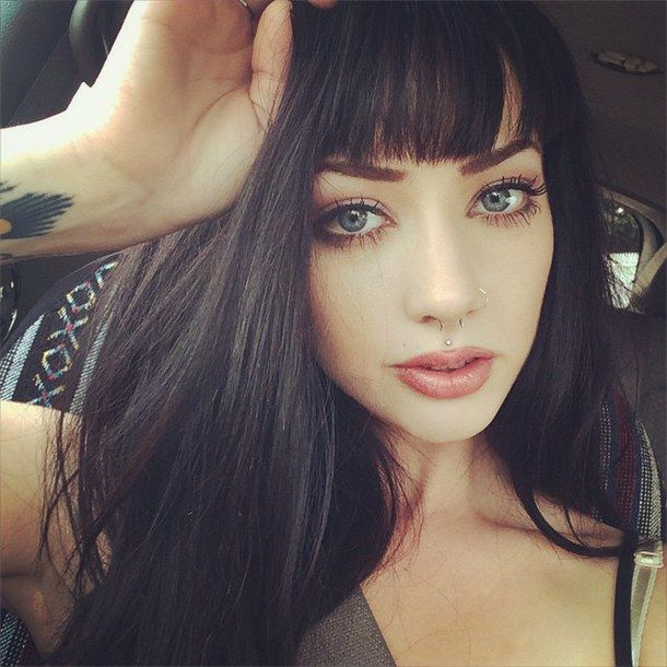 Bangs And Dark Hair Big Green Eyes Simple Makeup Look Natural Beauty Black Hair Pale Skin Hair Pale Skin Long Hair Styles