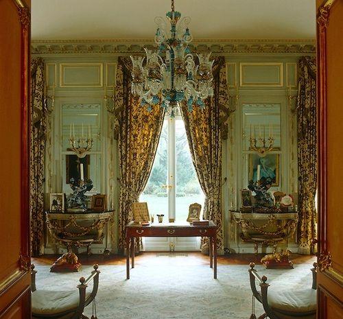 Duke Of Windsor S Study At Villa Windsor Bois De Boulogne Paris Neuilly Sur Seine A Simply Stunning Interior Windsor Homes Paris Home Stunning Interiors