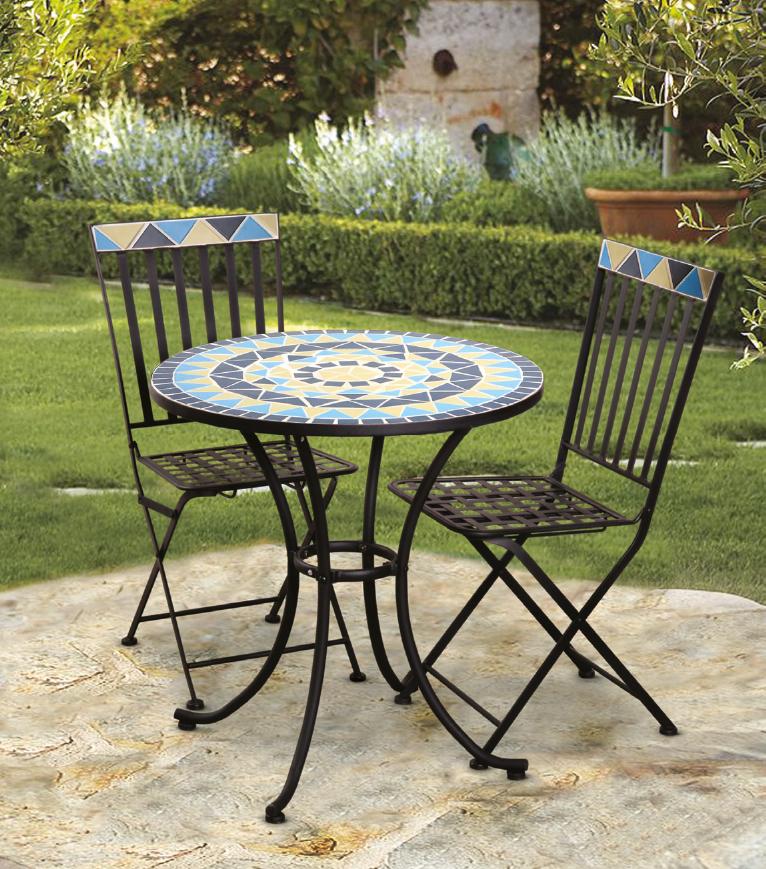 El mosaico se combina a la perfecci n con los muebles de for Comedor terraza easy