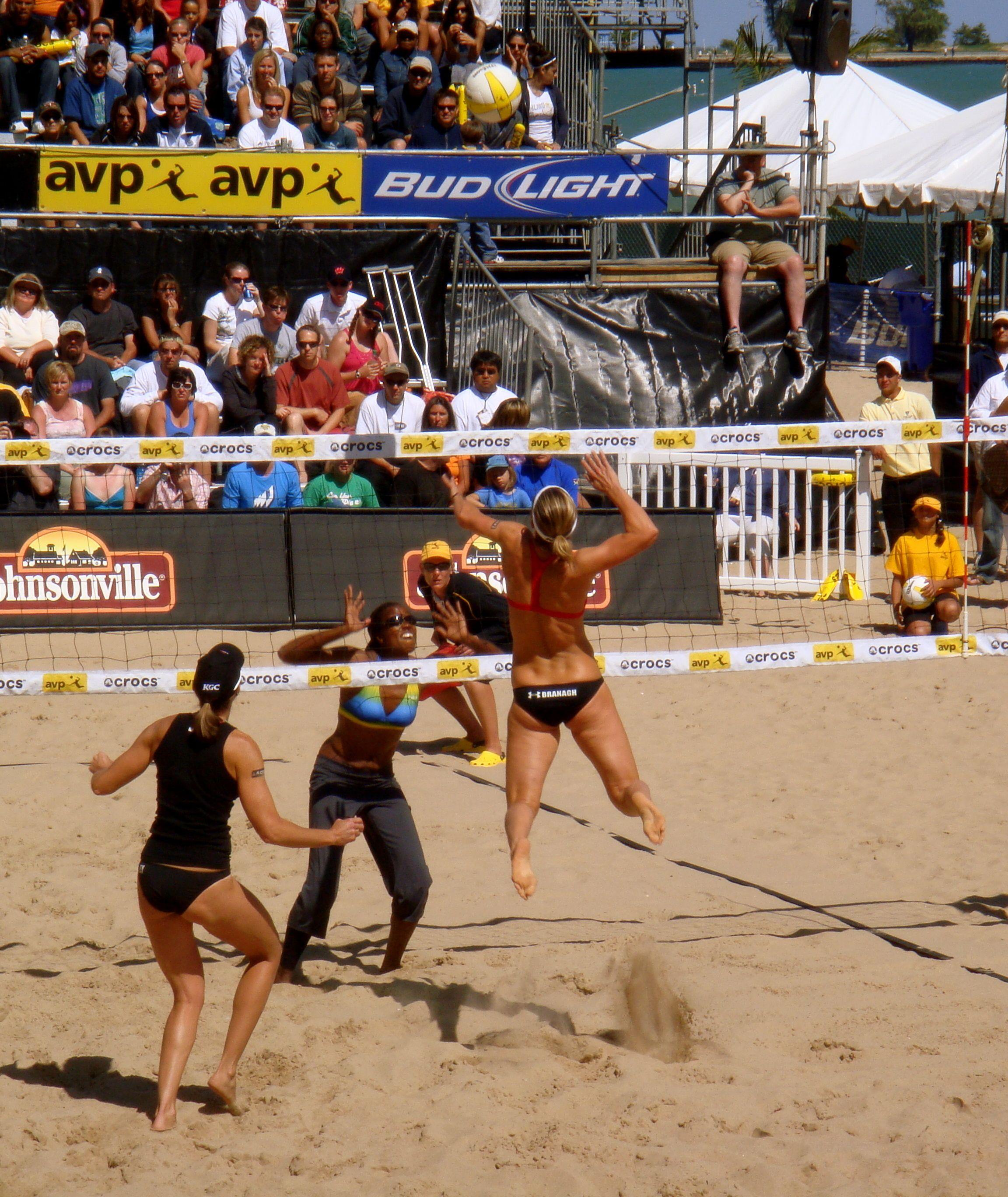 Beach Volleyball Downtown Chicago Beach Volleyball Volleyball