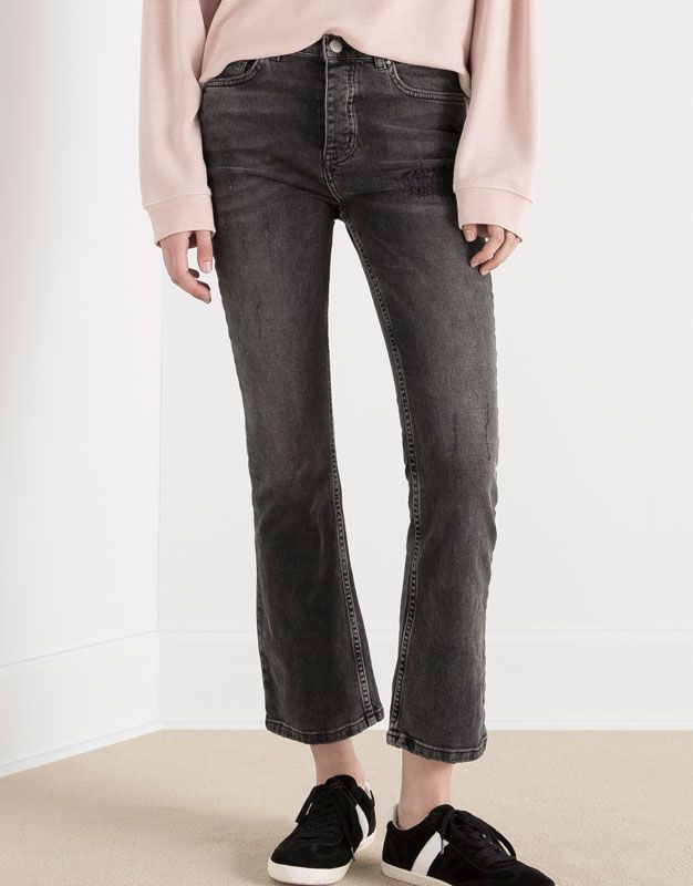 Pull&Bear - mulher - jeans - calças de ganga capri à boca de sino - cinza - 05683306-V2016