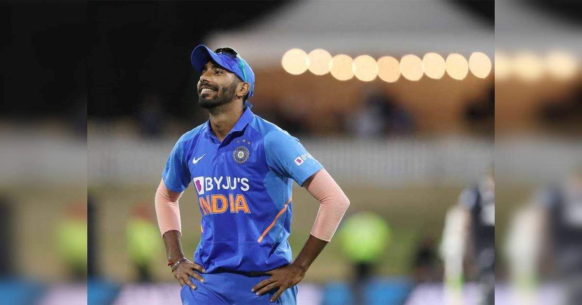Why Bumrah Bowling Form Bumrah Needs To Be Aggressive And Take Extra Risk Zaheer Khan Bumrah Needs To Be Aggressive And Ta In 2020 Cricket Match Aggressive Bowling