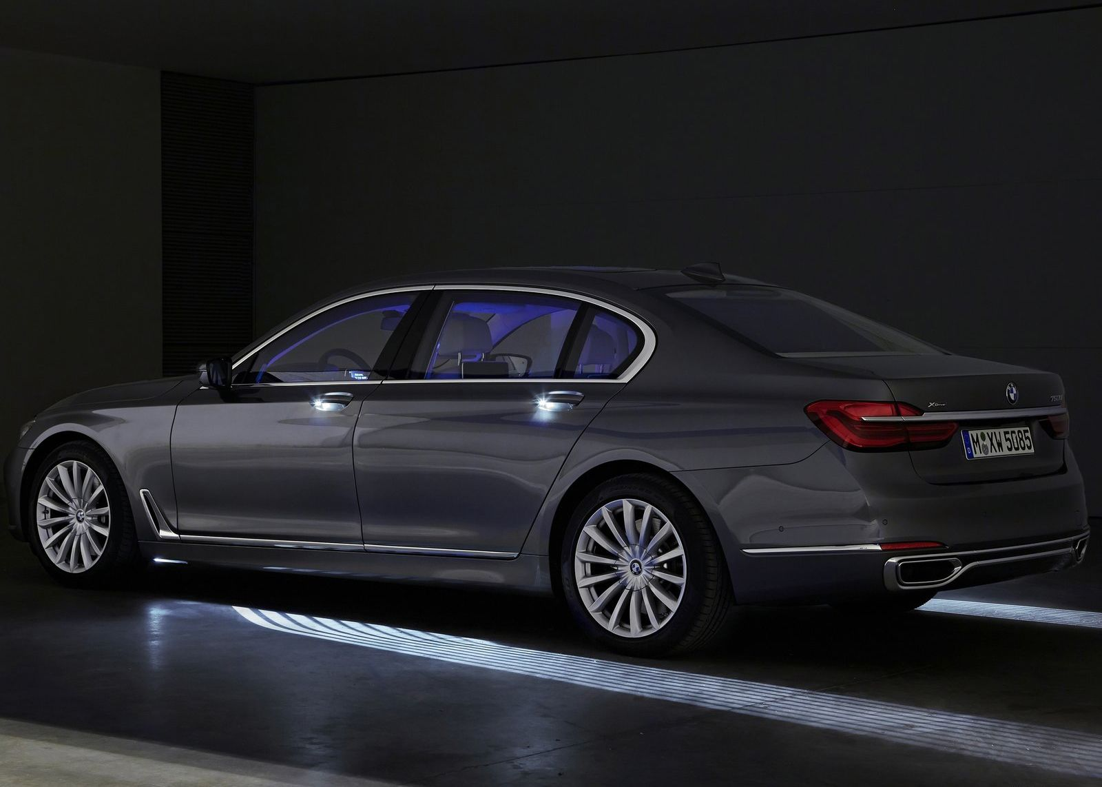 Bmw 7 Series 2016 Welcome Light Carpet It Took 3 Years To Get This Into Production C Www Bmwgroup Com Bmw 7series Exteriorl Bmw Bmw 7 Series Luxury Cars