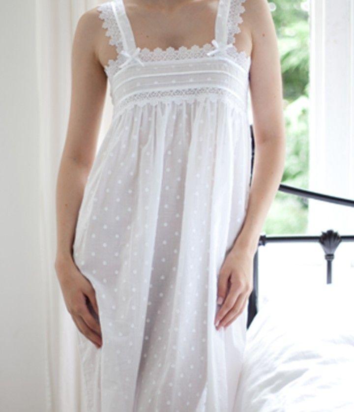 meilleur site web vente la moins chère design professionnel Très belle chemise de nuit coton blanc tissu à pois de chez ...