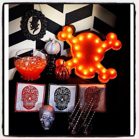 Vintage Marquee Lights - Skull  Crossbones Home Decor Ideas
