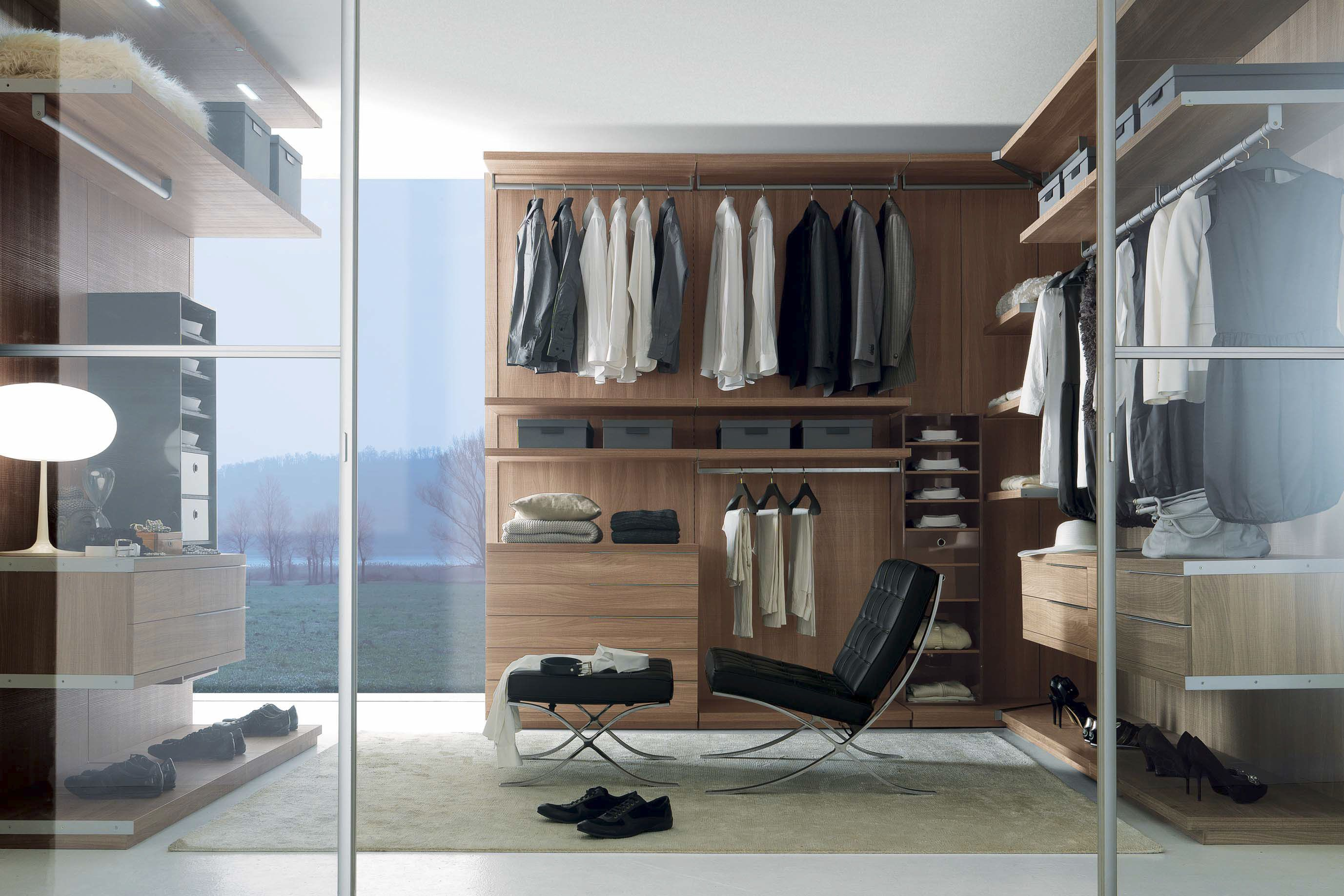 Sizes Customisation For Walk In Closet Available With Canaletto