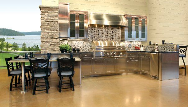 Outdoor Kitchen In Blue Ridge And Champagne Caesarstone Outdoor Kitchen Wood Cabinets Kitchen Remodel