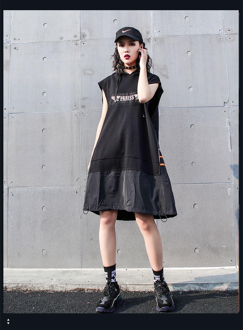 バッグのプリントが奇抜なフード付けノースリーブワンピース膝丈 個性的な服 かっこいいファッション 通販 ファッション 奇抜なファッション ファッションアイデア