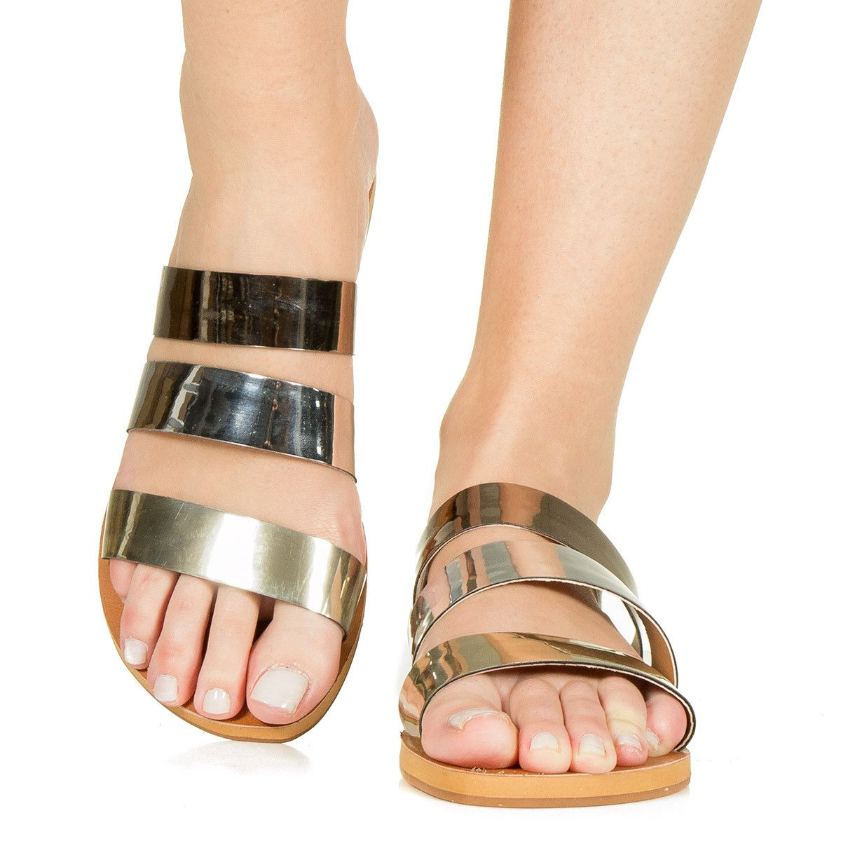 bb714d08c Rasteira com Tiras Ouro Prata e Grafite Taquilla - Taquilla - Loja online  de sapatos femininos