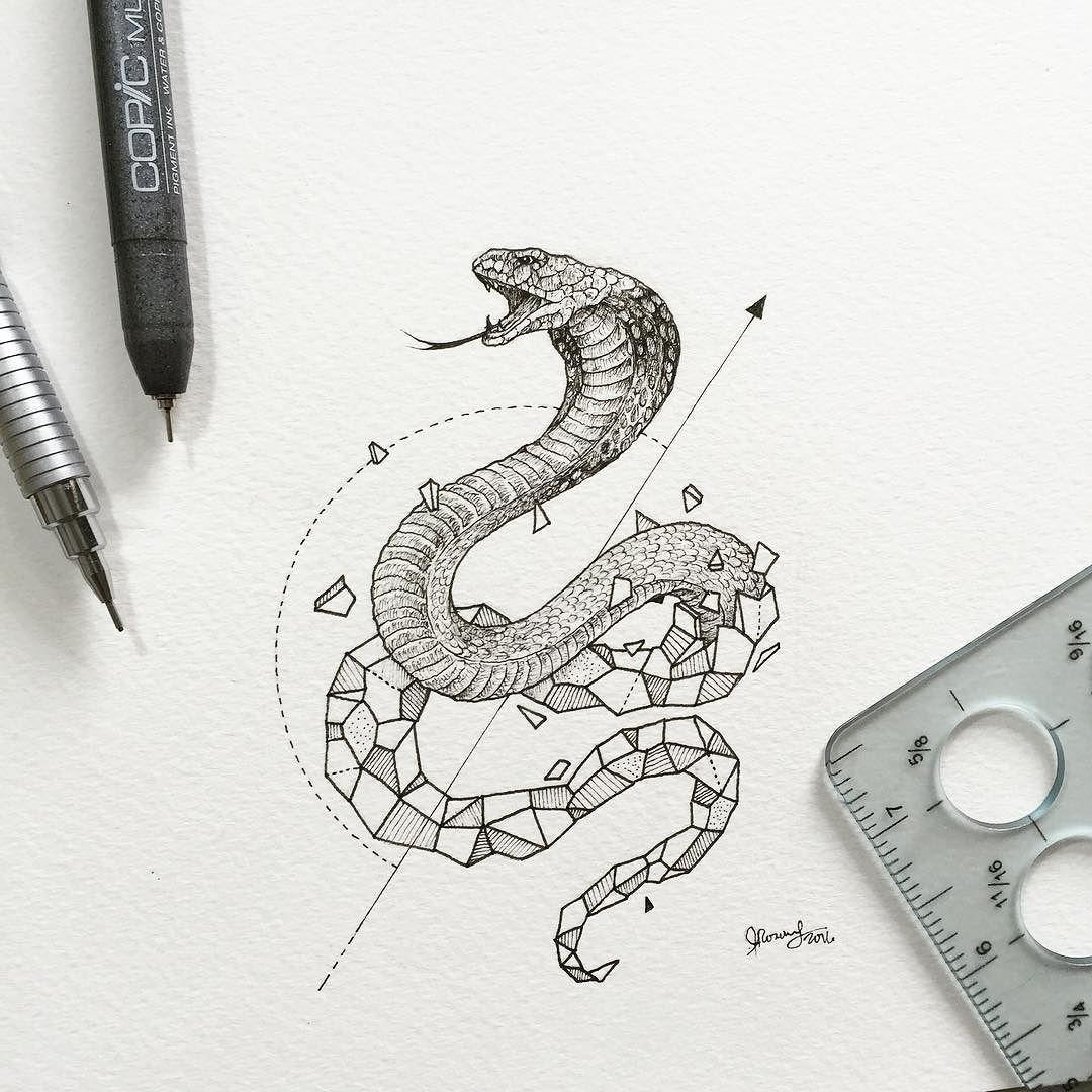 Idee Tatouage A Mi Chemin Entre Le Tatouage D Un Cobra Et Le Tatouage Geometrique
