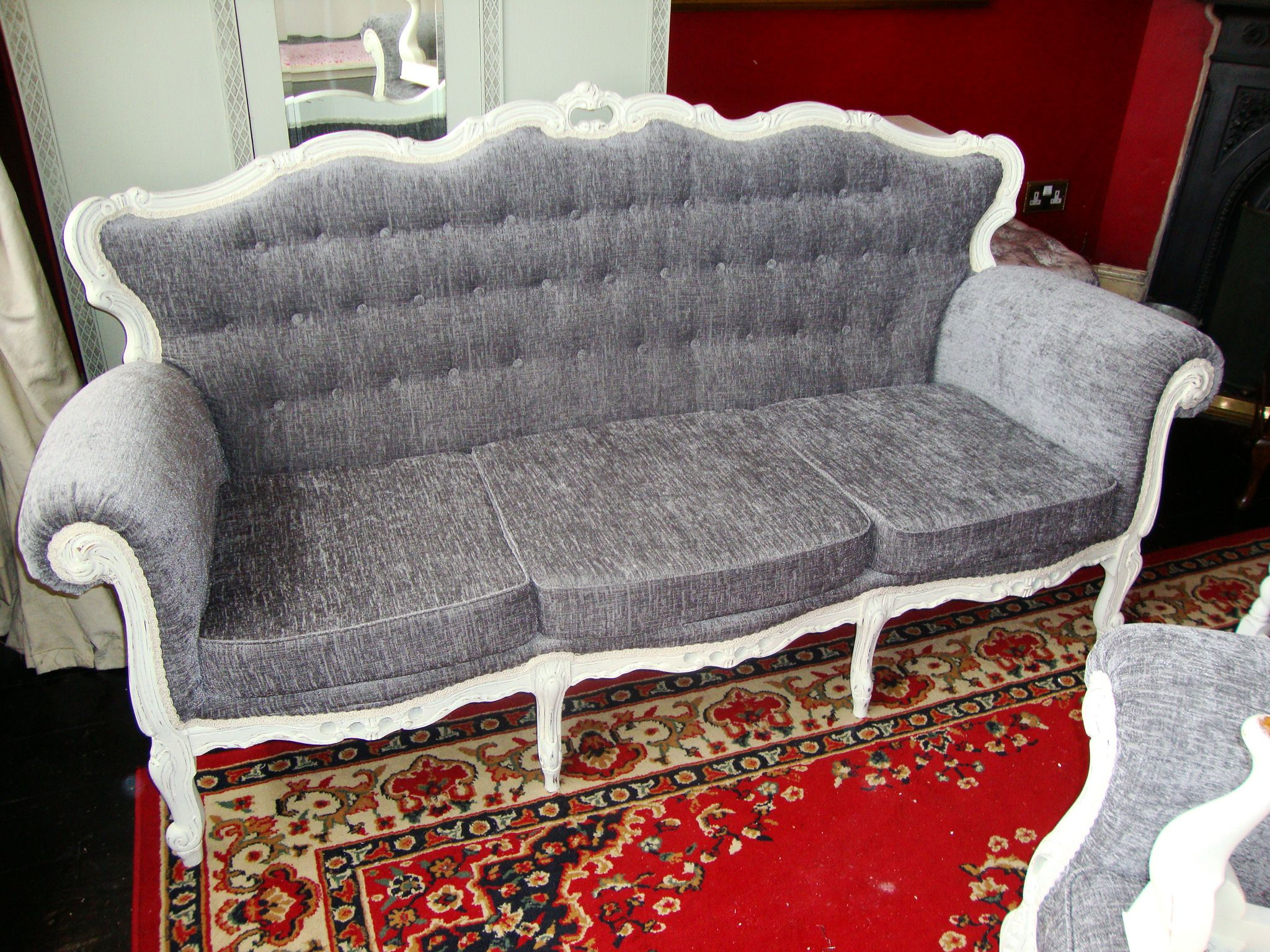 Vintage Rococo sofa in New White reupholstered and deep buttoned