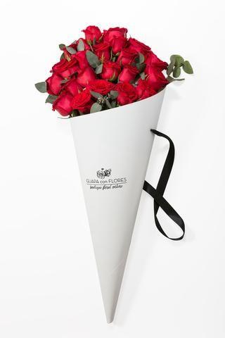Ramo De 24 Rosas Rojas Arreglos Florales Para Hombre Diseño De Floristerías Envoltorio Para Flores