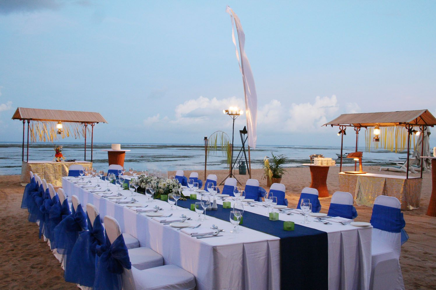 ideas for beach wedding party favors%0A Tips for Having a Beach Wedding in        Beautiful Hyatt Sanur Bali Weddings  Ideas