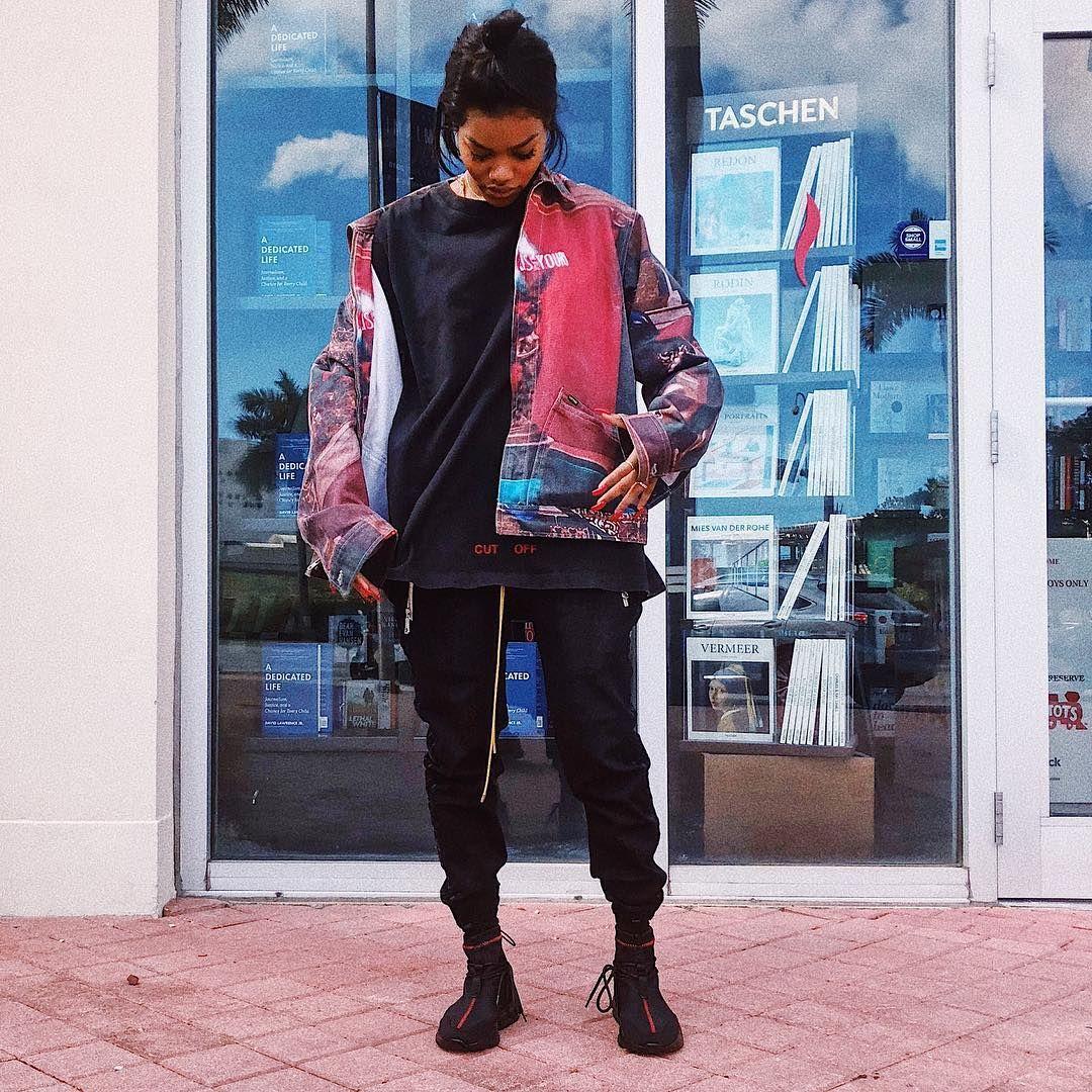 Teyana Taylor Fashion Bomber Jacket Black [ 1080 x 1080 Pixel ]