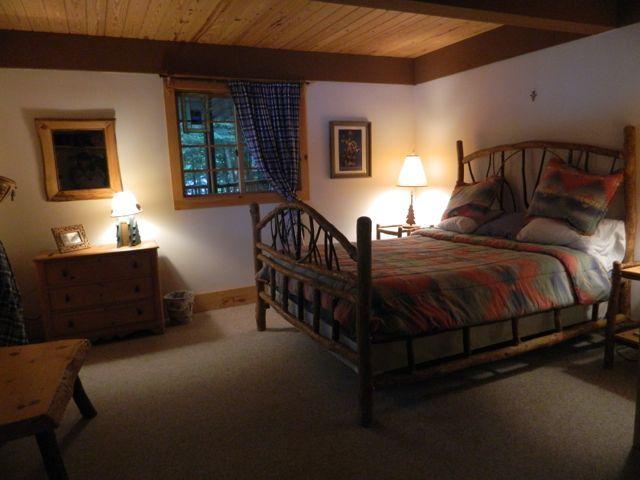 Downstairs Bedroom-Queen