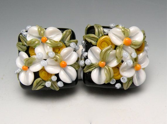 Black And White Floral Chintz Nuggets Brilynn Beads