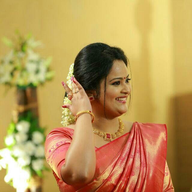 Wedding Hairstyle Kerala: Indian Wedding & Jewellery