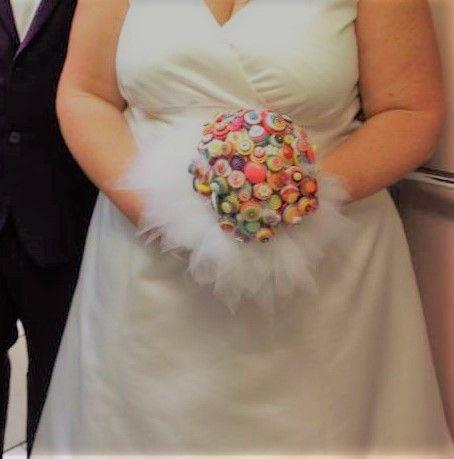 bouquet de mariée en boutons et tulle