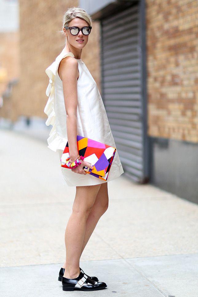 http://www.vogue.ru/fashion/streetstyle/kak_nosit_sarafani_v_gorode/