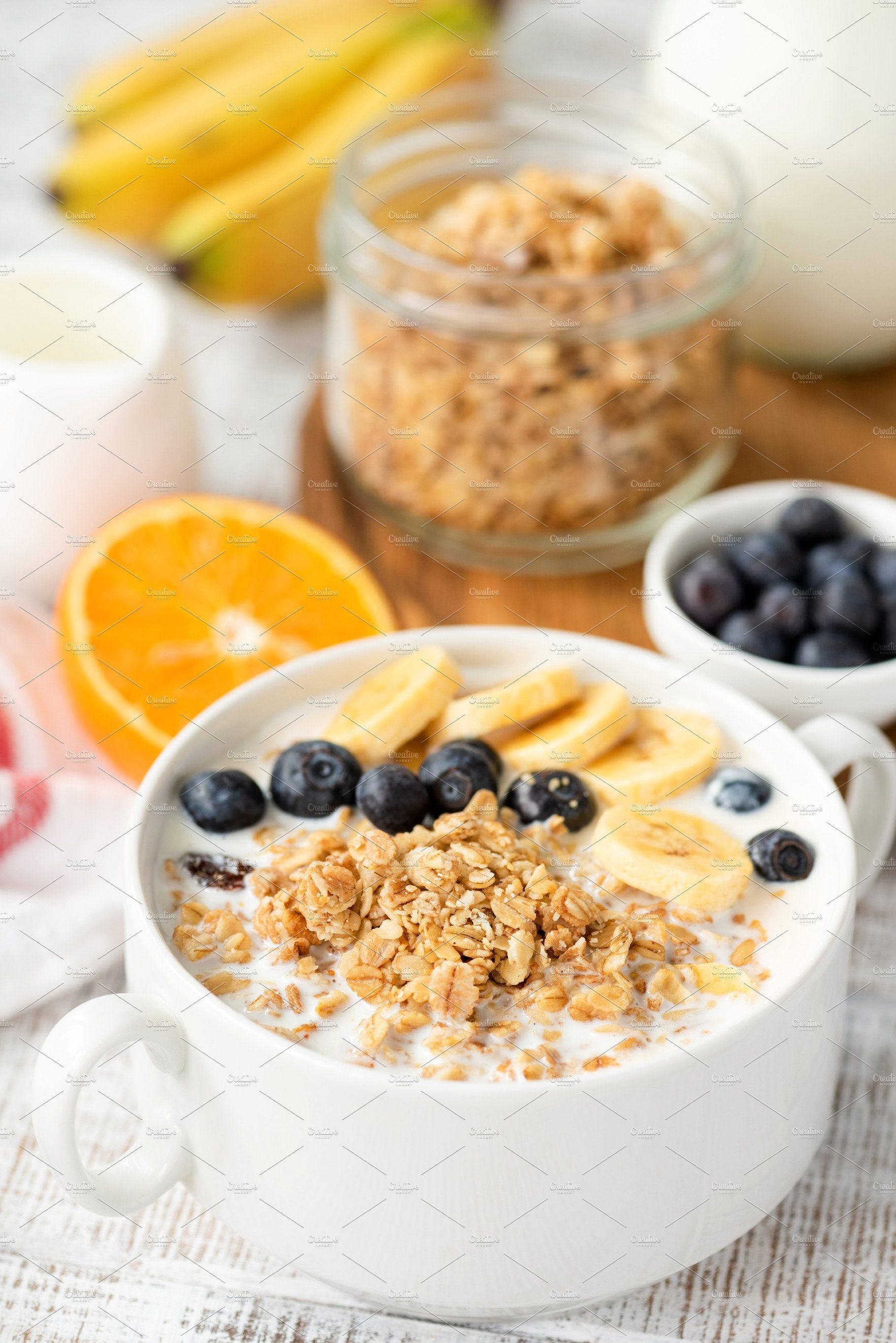Bowl Of Granola With Milk Fruits Cereal Recipes Healthy Cereal Breakfast Food