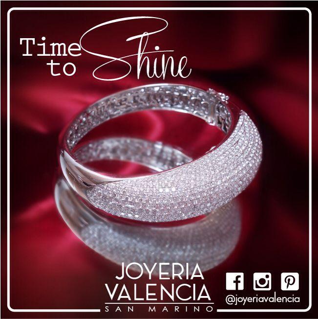 Nueva Pulsera de Oro Blanco con Pavé de Brillantes, encuéntrala en nuestra joyería en San Marino #jewelry #joyeriavalencia #pulsera #beautiful #amazing #trend #sanmarino #timetoshine