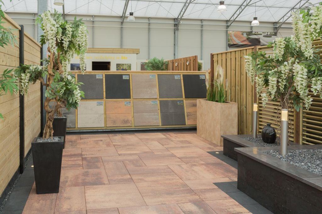 Tuin Met Keramische Tegels.Showroom Tuinen Keramische Tegels Vloeren Tuin Garden