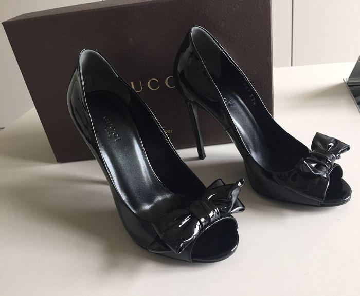 8a0cac22b44 Gucci - schoenen zwart lakleer Exclusieve Gucci schoenen met hak 12 in  zwart lakleer met gepatenteerde