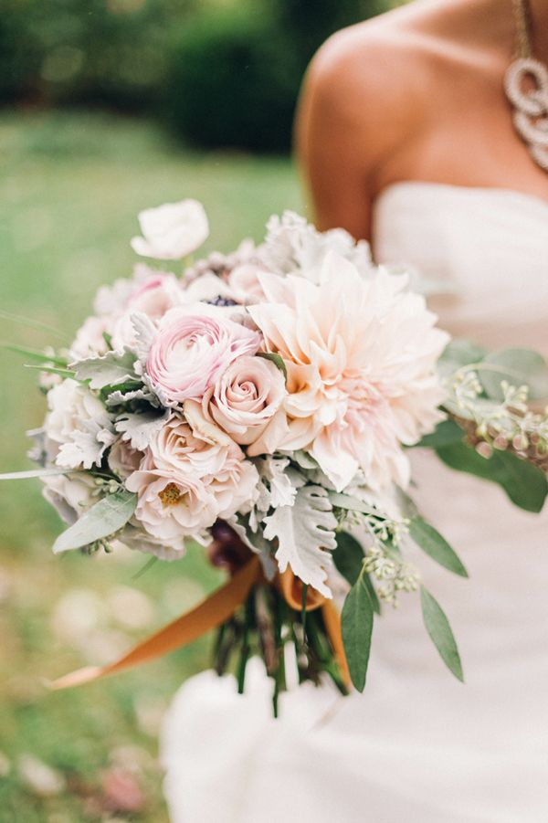 rose, ranunculus, dahlia, and dusty miller bouquet | Justin & Mary #wedding