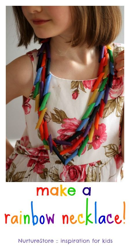 A great rainbow craft for kids, working on fine motor skills : make a rainbow necklace!