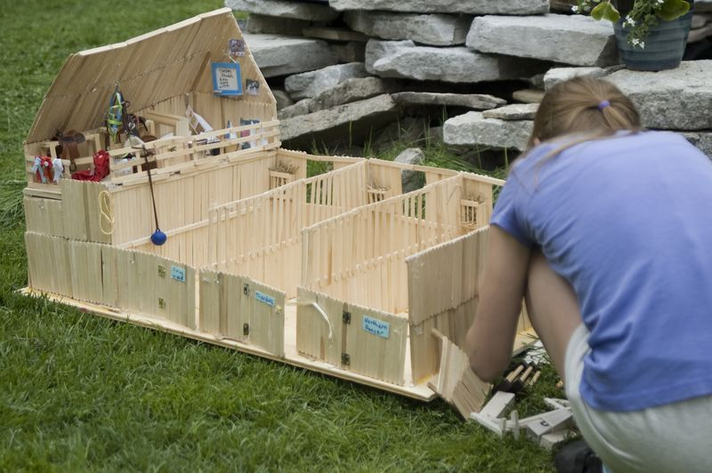 Popsicle stick barn 1 model horse painting tutorials for What can you make out of horseshoes