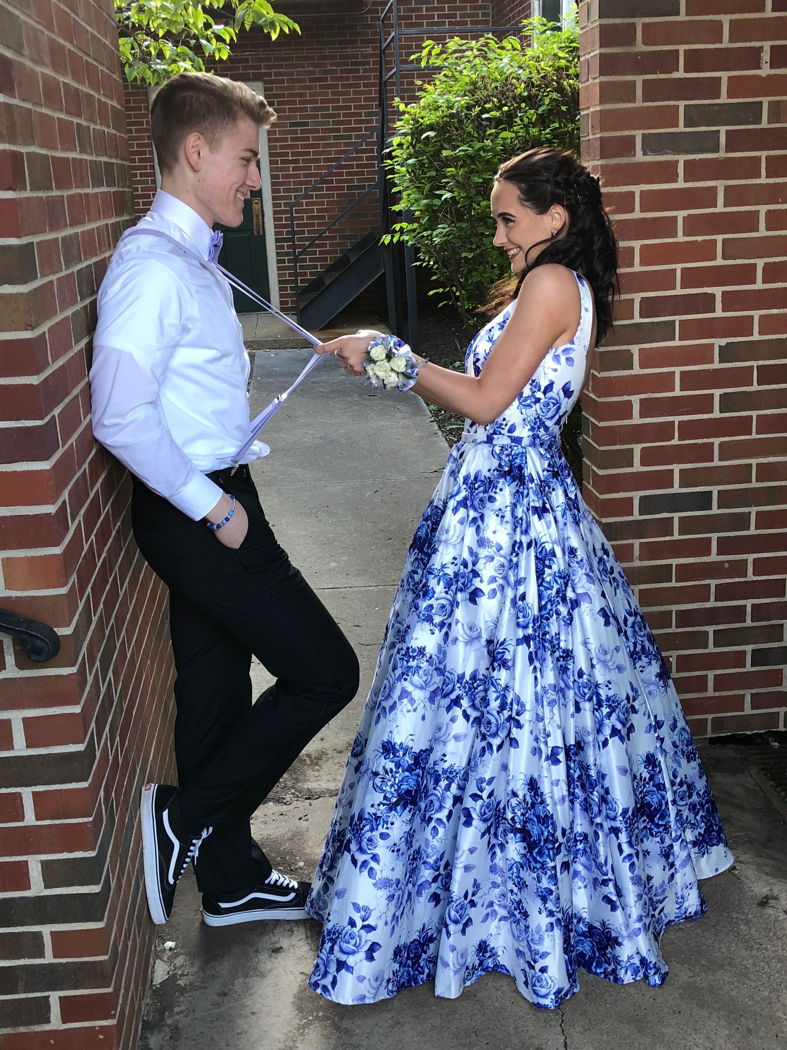 couple prom pics #prompictureposes