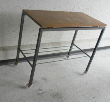 Marktplaats Sidetable Wit.Metalen Sidetable Met Massief Houten Blad Op Wielen