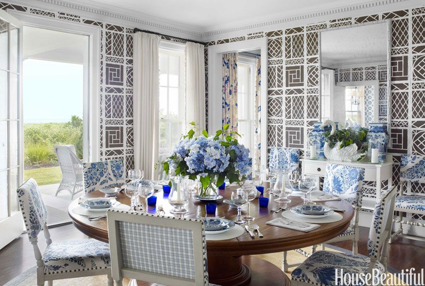 In A Rhode Island House The Dining Room Walls Are Lined With China Seas Trellis From Quadrille Although Designer Tom Scheerer First Used Airy Design