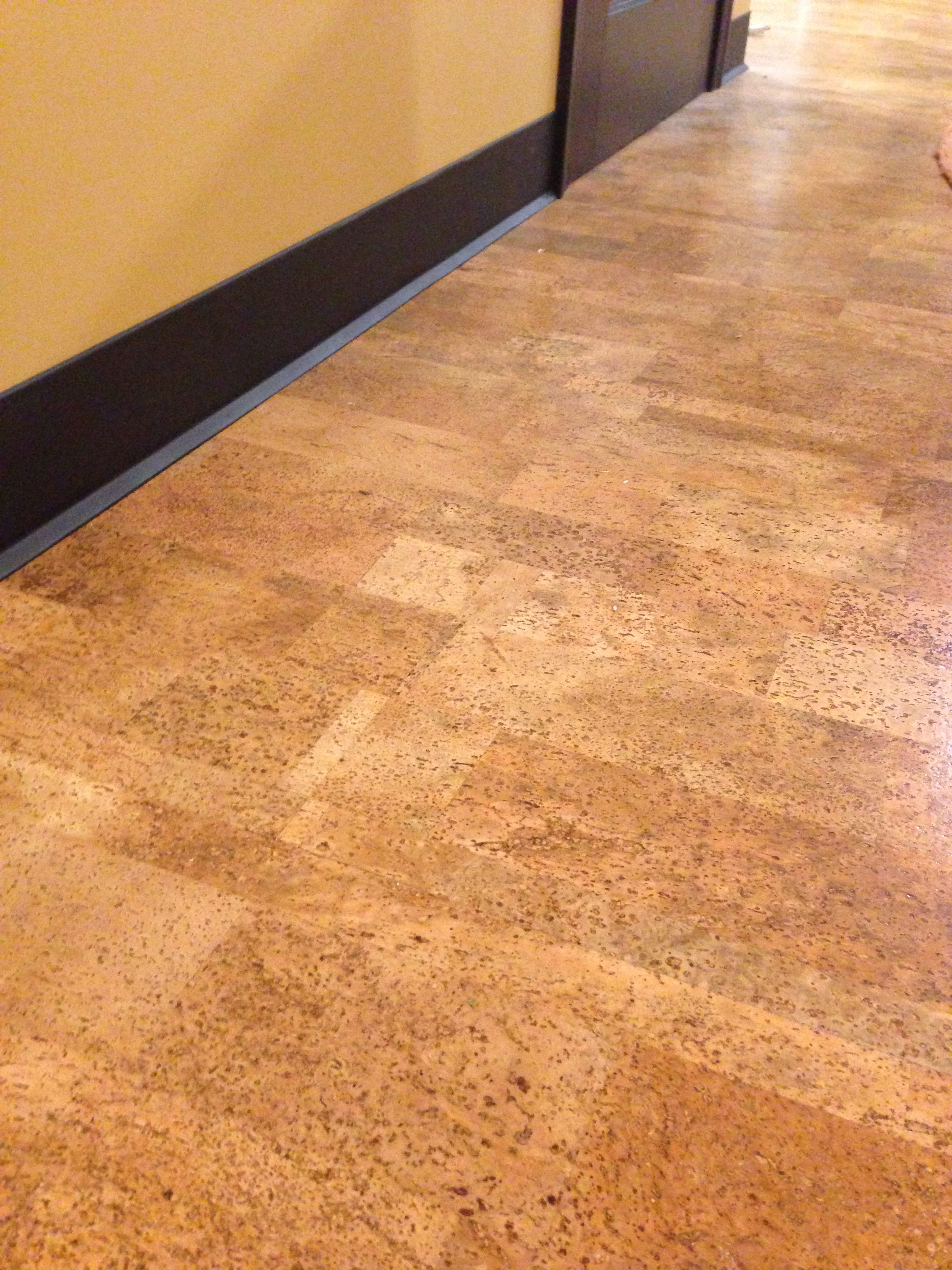 Cork flooring can be a very green option kurk lekker zacht aan de